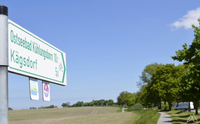 Schild am Ostseeküsten-Radweg